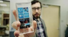 Prototype de Windows Phone avec la coque transparente