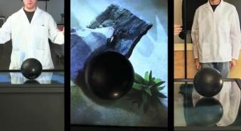 La table tactile d'Ideum résiste à une boule très lourde