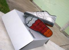 Nike produit des baskets en hommage � la DeLorean