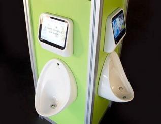 Londres: urinoirs jeux-vid�os dans un bar