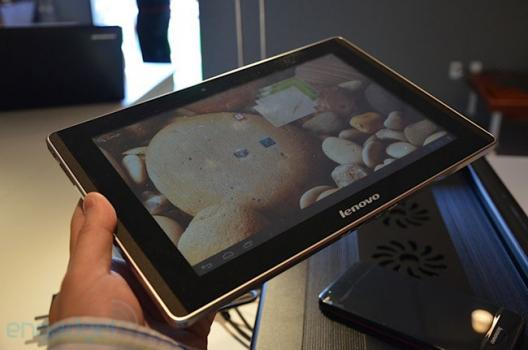 CES 2012: Lenovo IdeaPad K2010 et le SmartPhone K2