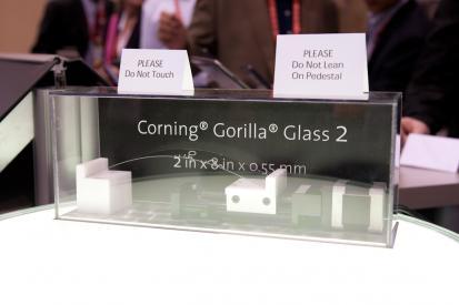 CES 2012: le verre Gorilla Glass 2 est très résistant
